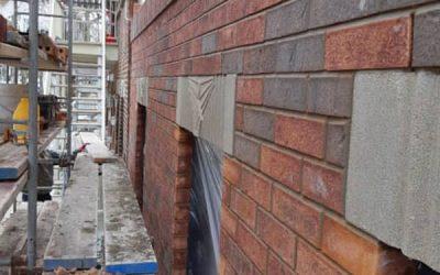 Comment restaurer une façade en brique?